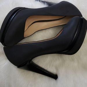 Cole Haan- Black plataform stilettos